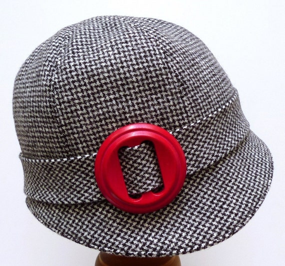 1920s Cloche in Vintage Zig Zag Wool with Red Wooden Buckle - Made to Order