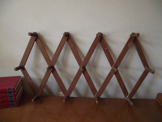 Accordion Wooden Peg Wall Rack Extra Large