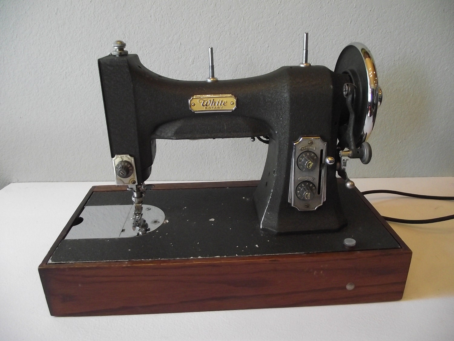 white rotary series 77 sewing machine
