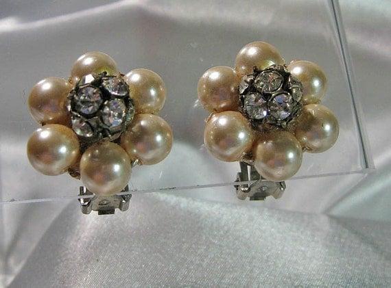 Vintage Rhinestones Pearl Earrings Elegant
