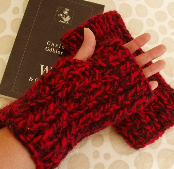 KNITTING PATTERN/DARA Thick Chunky Fingerless Gloves by RomeoRomeo