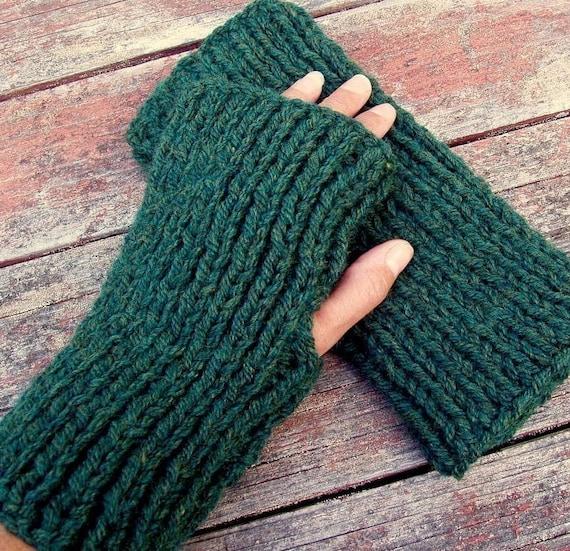 Easy Fingerless Gloves Knitting Pattern Straight Needles : KNITTING PATTERN Fingerless Gloves/Simple Glove Pattern for