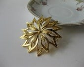 Large Vintage Signed Monet Goldtone Textured Floral Brooch - jenscloset