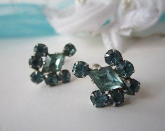 Vintage Aqua Rhinestone Silvertone Earrings