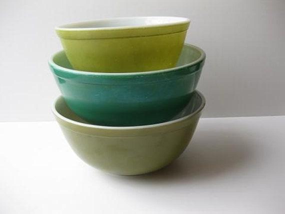 Classic Green Retro Vintage Pyrex Bowls Set of Three