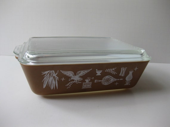 Vintage Pyrex Early American Brown and White Refrigerator Dish