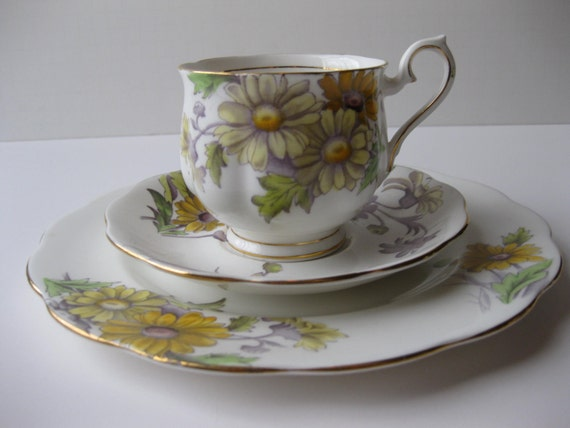 Reserved Vintage Royal Albert Daisy Bone China Teacup Saucer and Plate Set - Flower of the Month