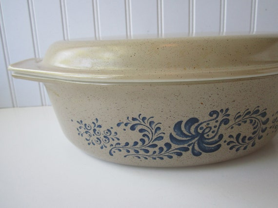 Vintage Pyrex Homestead Tan Blue Large Oval Covered Casserole