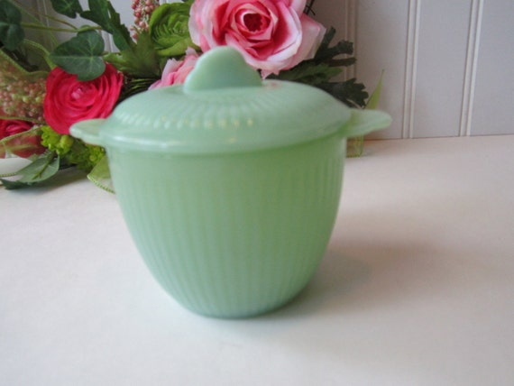 Vintage Anchor Hocking Jade-ite Jane Ray Covered Sugar Bowl