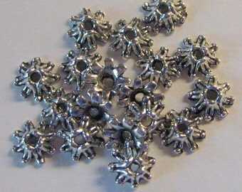 20 Antique Silver 10mm Flower Beads Caps (bc11)