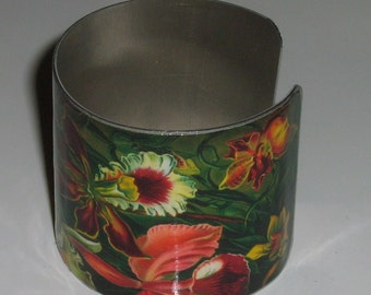 Vintage Style Stainless Steel Cuff Bracelet - Orchid