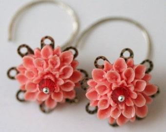 Fresh Picked Peaches Chrysanthemum Garden Earrings