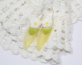 Yellow Earrings Shabby Chic Vintage Lucite Daisies and Petals