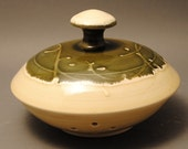 Porcelain Garlic Keeper in Green and Cream