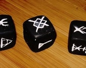 Witches Runes - Divination Dice and Casting Cloth