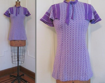 1970s Purple & White Top with Flutter Sleeves and an Ascot