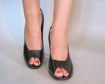 size 9 - 9.5, 1970s HALSTON Black Patent Leather Peep Toe, Slingback, High Heel Shoes
