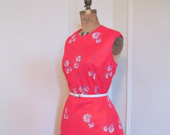 vintage RED Purple Daisies Floral DAY DRESS - plus size, extra large