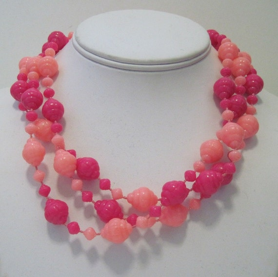 Vintage Pink Beaded Cocktail Necklace ... one long strand, great for layering and doubling up