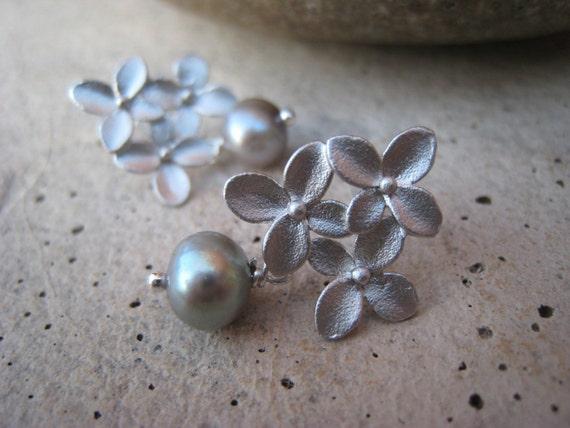 Silver Flowers Gray Pearl Earrings, Fall Fashion