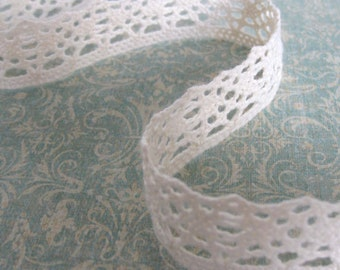 3 Yards of Cream Cluny Lace Trim Scalloped Bottom Edge 1 Inch Wide
