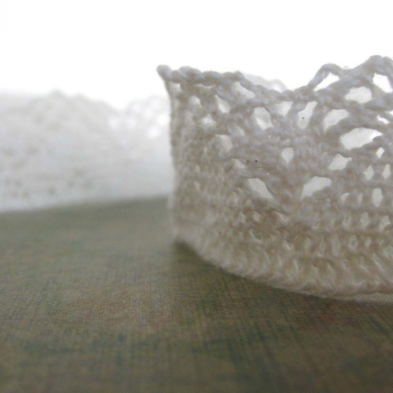 1 Yard of White Cluny Lace Trim 1 Inch Wide