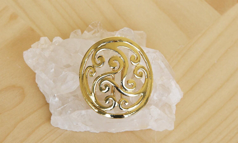 Celtic Design In Hair | leather hair barrette celtic