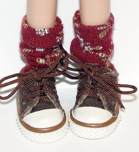 Short Burgundy With Flowers Socks For Blythe...One Pair Per Listing...