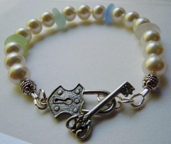 Pearl and Beach Glass Bracelet  - Sea Glass Seaglass Jewelry