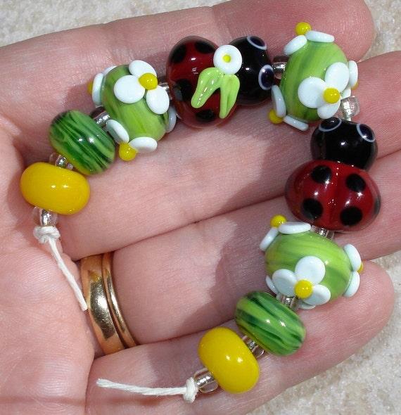 Little Ladybug with White Flowers----HANDMADE Lampwork Beads