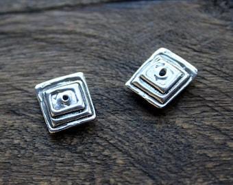 Bead TWO Artisan Layered Square   B52