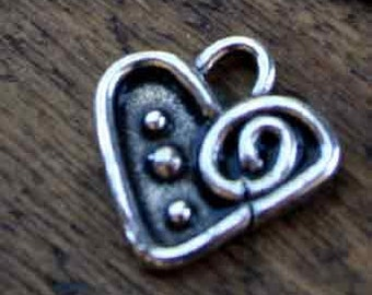 Charm Heart with swirls and dots /LCH02
