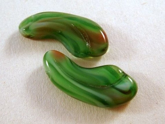 SALE - 5 Green Lampwork Beads Glass Green and Red 23x10mm - 5 pc - 4039