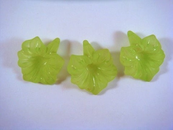 3 Green Flower Acrylic Beads Frosted 32x27mm - 3 pc - A1015FL-G3
