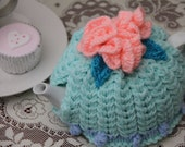 1-3 cup Blue and pink teapot cozy