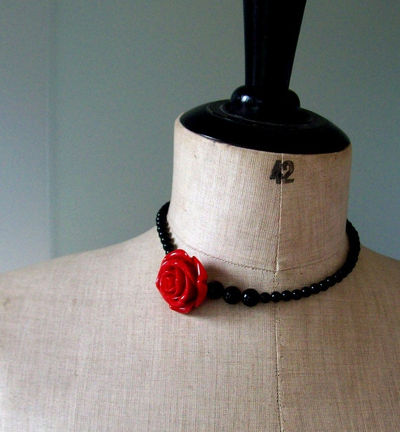 Necklace in black Onyx     Inspired by Frida Kahlo