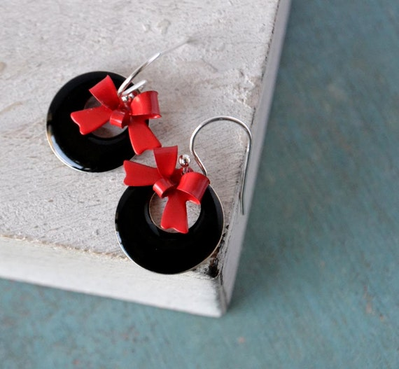 Hoops and bows sterling silver earrings