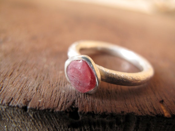 SPINEL // Sterling silver ring with raw Spinel