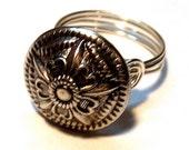 Flower Button Ring Vintage