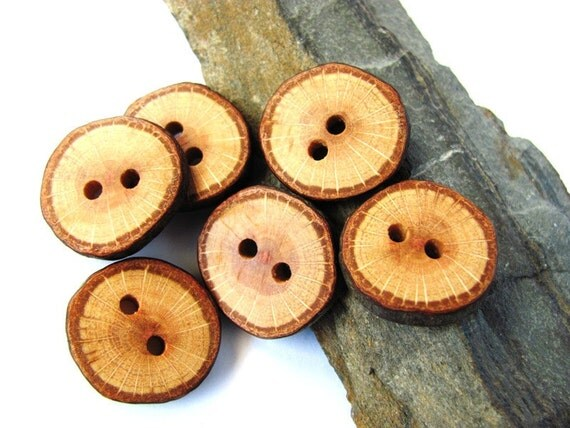 Wooden Buttons Reclaimed Oak Wood Handmade Wood Buttons Set of 6 by Hendywood