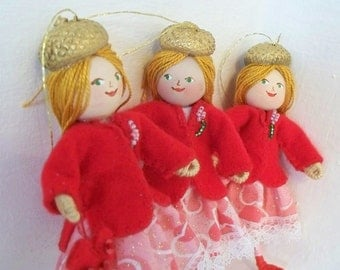Valentine Art Dolls and Miniatures Receive My Heart, Hanging Ornament, Felt Doll