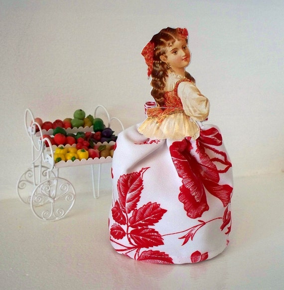 Victorian Paper and cloth doll Party Favor