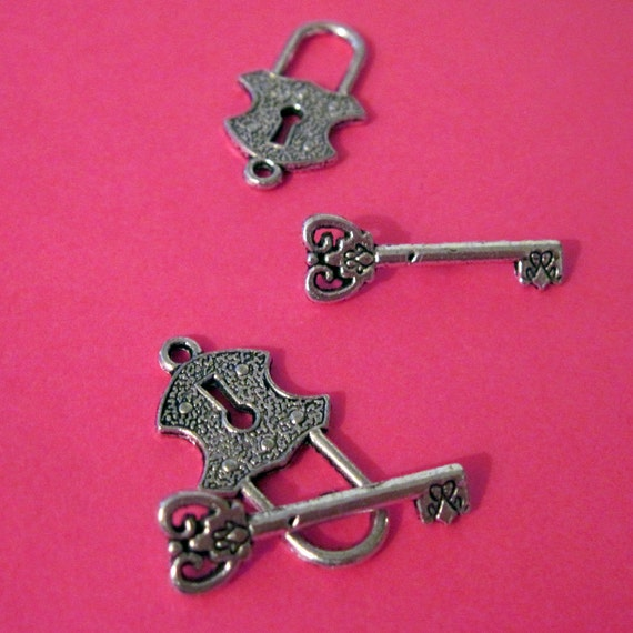 5 Sets of Lock and Key Clasps Charms - LAST CHANCE CLEARANCE