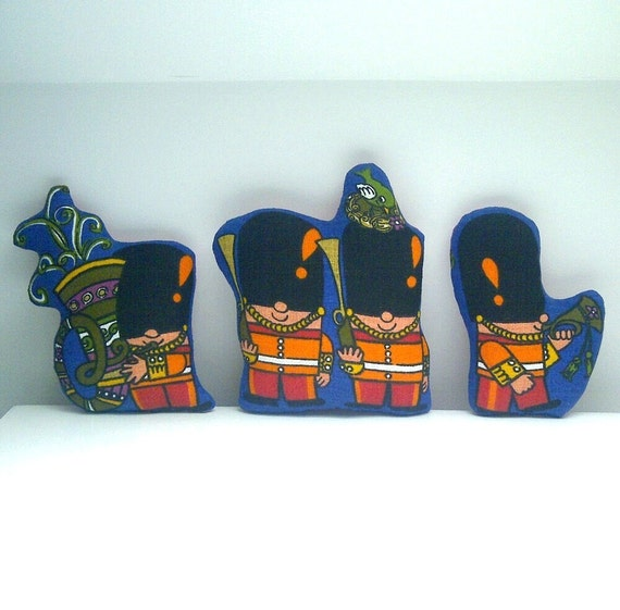 SPECIAL OFFER SALE Vintage Toy Soldiers Trio in Royal Blue Pop Parade 60s Barkcloth Fabric