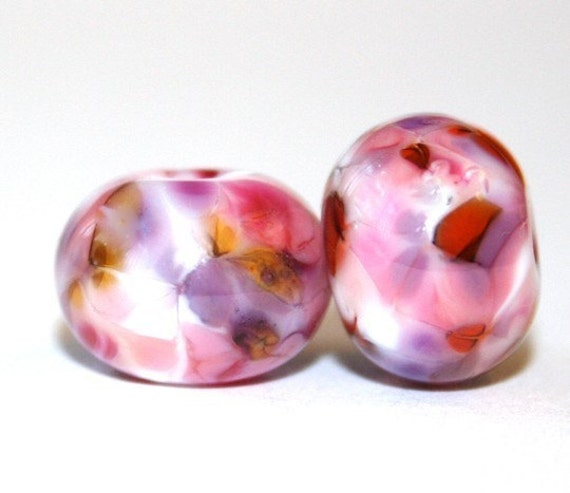Pomegranate Breeze -  Round Glass Lampwork Bead Pair