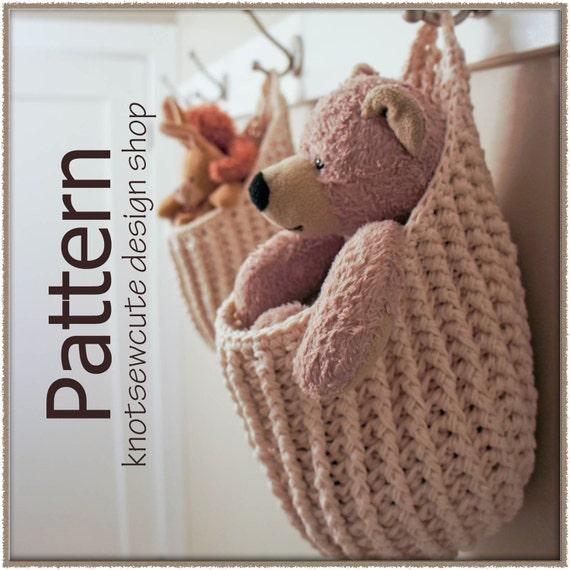 Hanging Storage Pouch - Crochet Pattern (PDF) - INSTANT DOWNLOAD