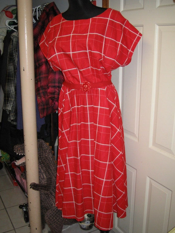 vintage. plus size handmade red checked picnic dress. 18 20 22 24. peachypipes. ON HOLD FOR HIPSLIPSQUIPS