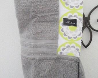 Ty Pennington Blossom Chartreuse Hooded Beach Bath Towel