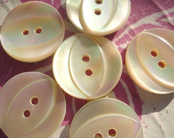 """6 Vintage Mother of Pearl Buttons  (5/8"""")"""