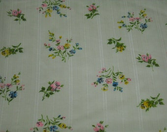vintage 70s novelty stripe fabric featuring adorable bouquet motif, 1 yard